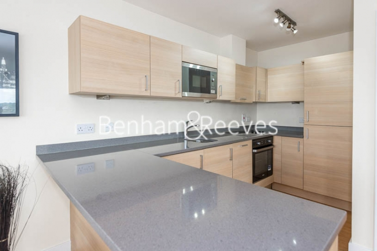 3 bedroom(s) flat to rent in Beaufort Park, Colindale, NW9-image 2