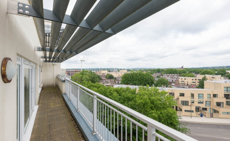 3 bedroom(s) flat to rent in Beaufort Park, Colindale, NW9-image 12
