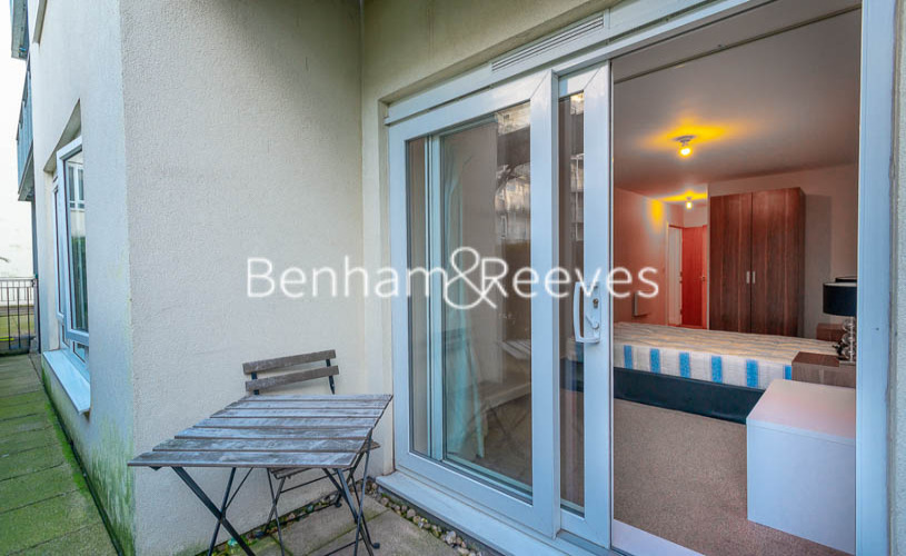2 bedroom(s) flat to rent in Boulevard Drive, Colindale, NW9-image 8