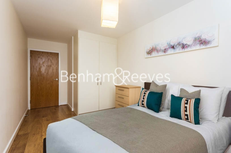 1 bedroom(s) flat to rent in Heritage Avenue, Colindale, NW9-image 3