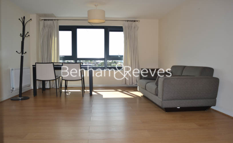1 bedroom(s) flat to rent in Mannock Close, Colindale, NW9-image 4