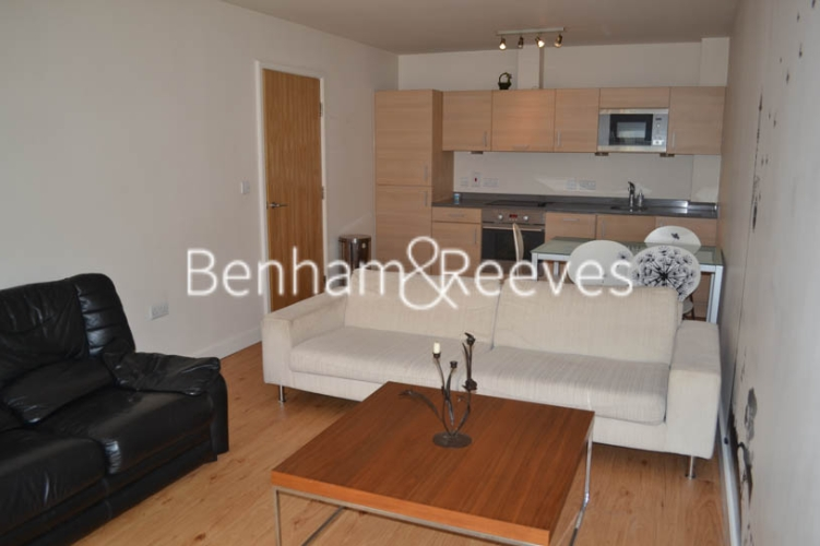 2 bedroom(s) flat to rent in Heritage Avenue, Colindale, NW9-image 5