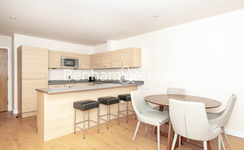 2 bedroom(s) flat to rent in Heritage Avenue, Colindale, NW9-image 3