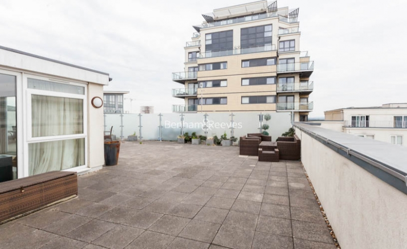 3 bedroom(s) flat to rent in Boulevard Drive, Colindale, NW9-image 10