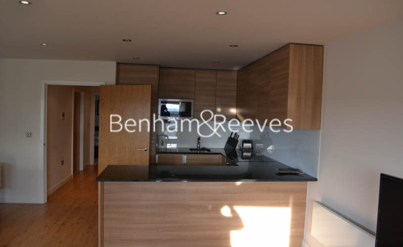 2 bedroom(s) flat to rent in Beaufort Park, Colindale, NW9-image 2