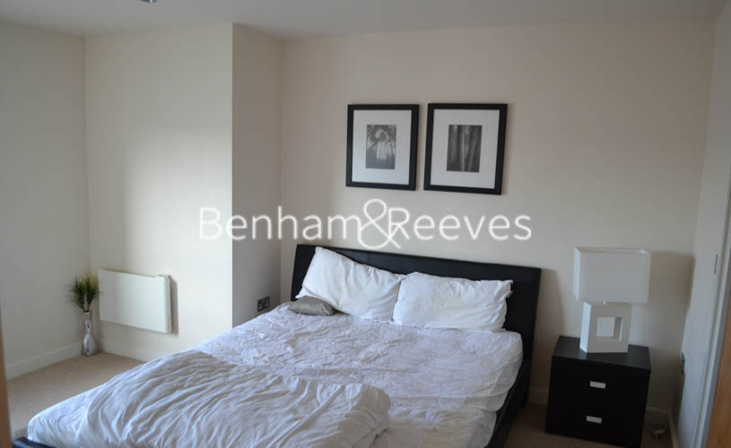2 bedroom(s) flat to rent in Beaufort Park, Colindale, NW9-image 8