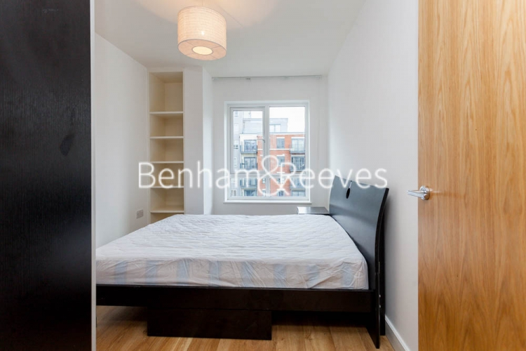 2 bedroom(s) flat to rent in Aerodrome Road, Colindale, NW9-image 10