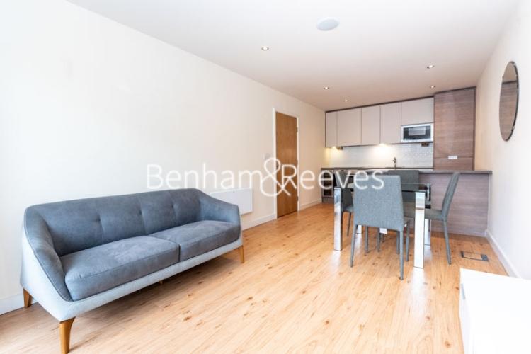 2 bedroom(s) flat to rent in Heritage Avenue, Beaufort Park, NW9-image 1