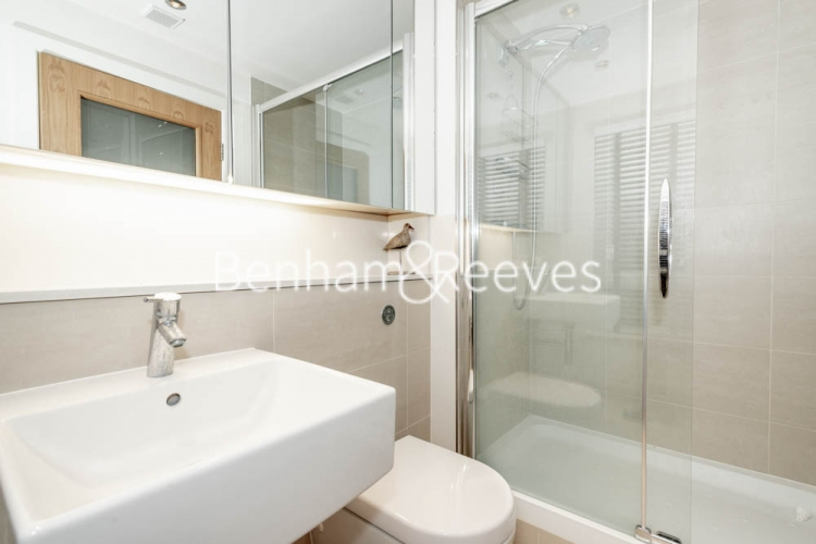 2 bedroom(s) flat to rent in Heritage Avenue, Beaufort Park, NW9-image 4