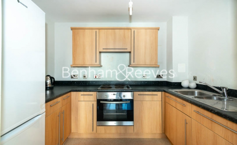 1 bedroom(s) flat to rent in Joslin Avenue, Colindale, NW9-image 2
