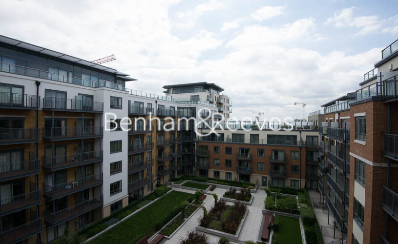 2 bedroom(s) flat to rent in Beaufort Park, Colindale, NW9-image 9
