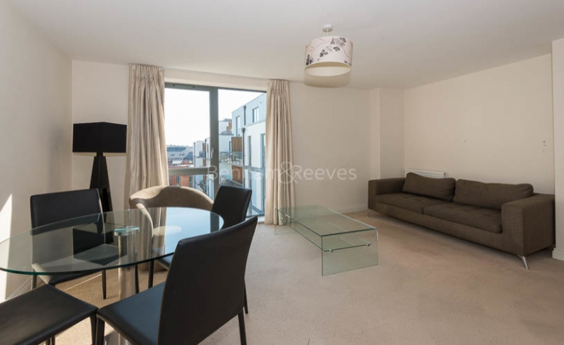 1 bedroom(s) flat to rent in Needleman Close, Colindale, NW9-image 2