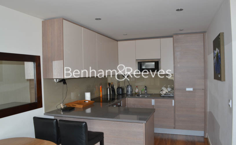 2 bedroom(s) flat to rent in Curtiss House, Beaufort Park NW9-image 2