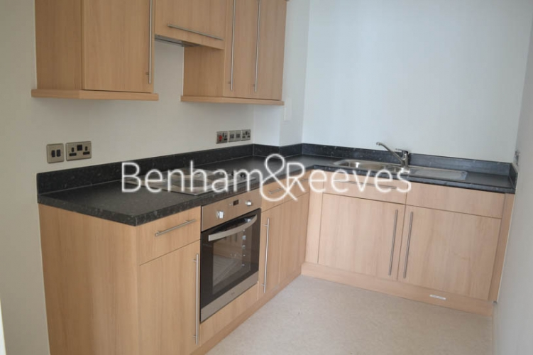 1 bedroom(s) flat to rent in Charcot Road, Colindale, NW9-image 2