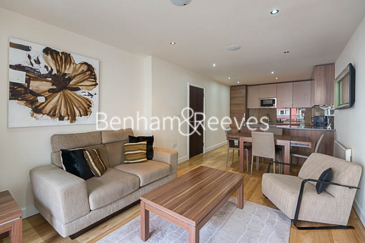 1 bedroom(s) flat to rent in Boulevard Drive, Beaufort Park, NW9-image 1