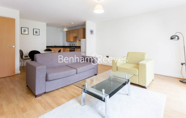1 bedroom(s) flat to rent in Tanner Close, Colindale, NW9-image 1