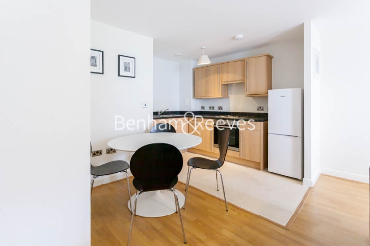 1 bedroom(s) flat to rent in Tanner Close, Colindale, NW9-image 3