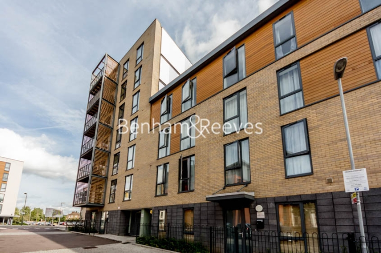 1 bedroom(s) flat to rent in Tanner Close, Colindale, NW9-image 6