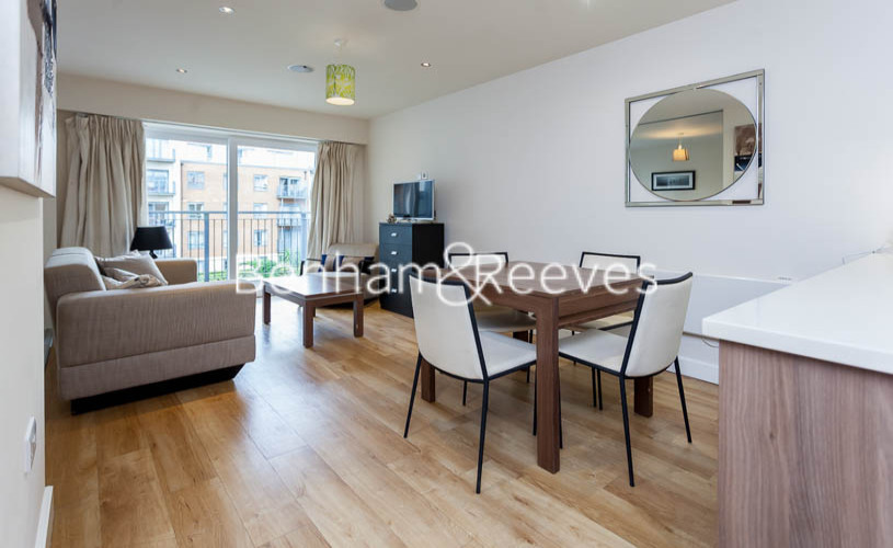 Studio flat to rent in Aerodrome Road, Colindale, NW9-image 3