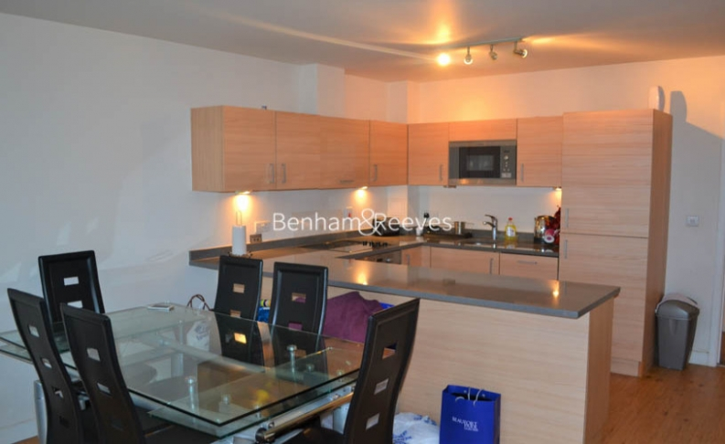 2 bedroom(s) flat to rent in Beaufort Park, Colindale, NW9-image 3