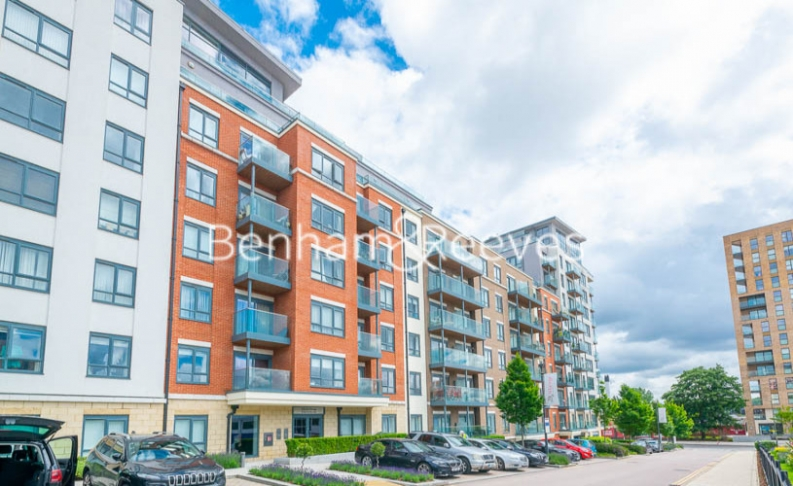 Studio flat to rent in East Drive, Colindale, NW9-image 6