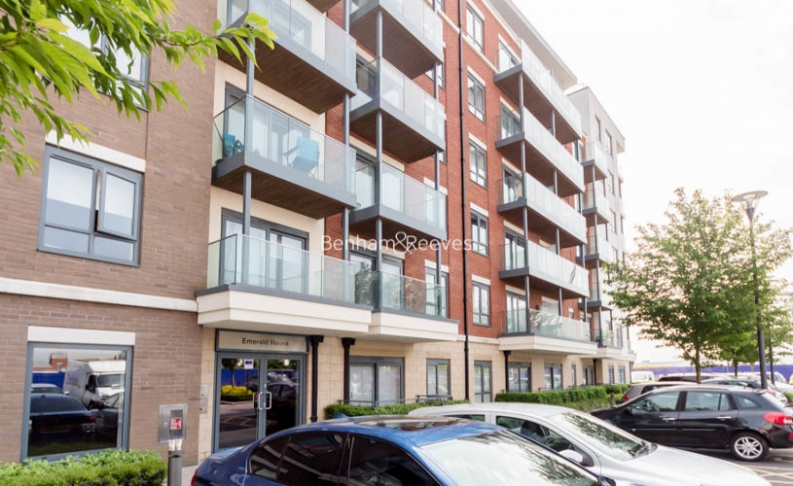 Studio flat to rent in Commander Avenue, Colindale, NW9-image 6