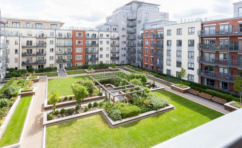 Studio flat to rent in Commander Avenue, Colindale, NW9-image 7