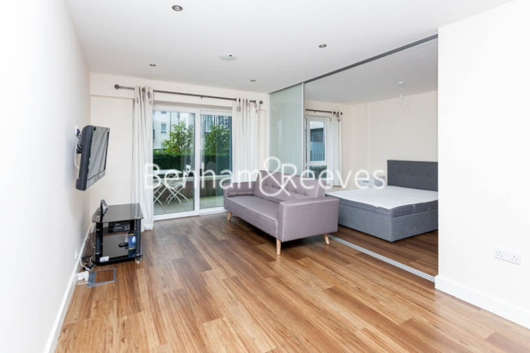 1 bedroom(s) flat to rent in Boulevard Drive, Colindale, NW9-image 1