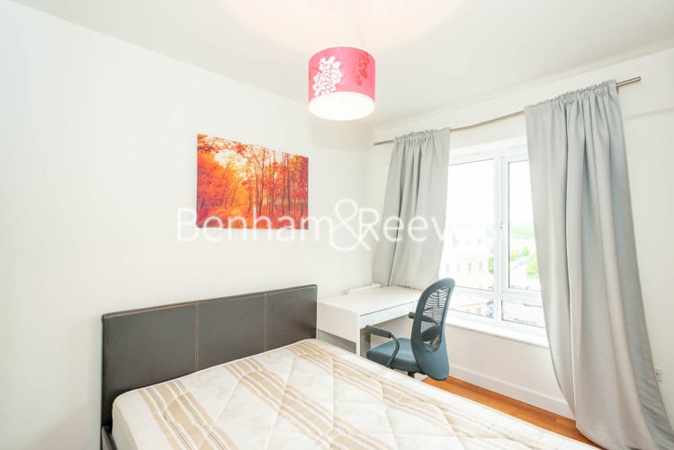 1 bedroom(s) flat to rent in Boulevard Drive, Colindale, NW9-image 3