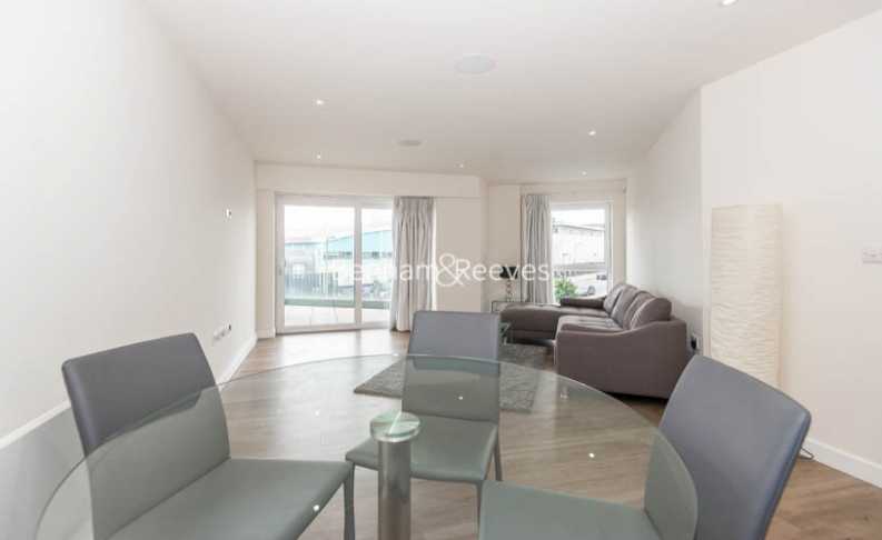 2 bedroom(s) flat to rent in Aerodrome Road, Colindale, NW9-image 3
