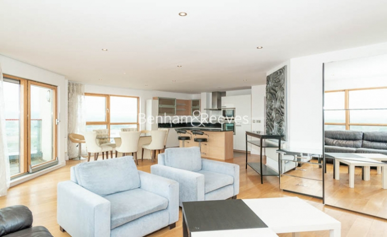 3 bedroom(s) flat to rent in Heritage Avenue, Colindale, NW9-image 8