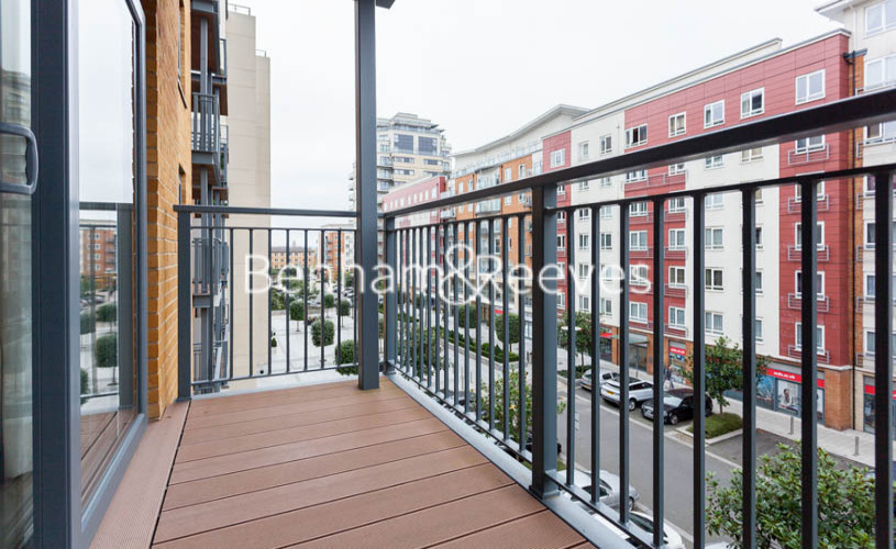 Studio flat to rent in Boulevard Drive, Colindale, NW9-image 6