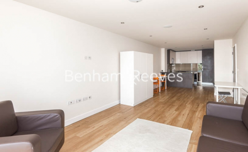 2 bedroom(s) flat to rent in Aerodrome Road, Colindale, NW9-image 7