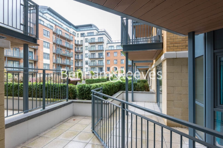 Studio flat to rent in Aerodrome Road, Colindale, NW9-image 8