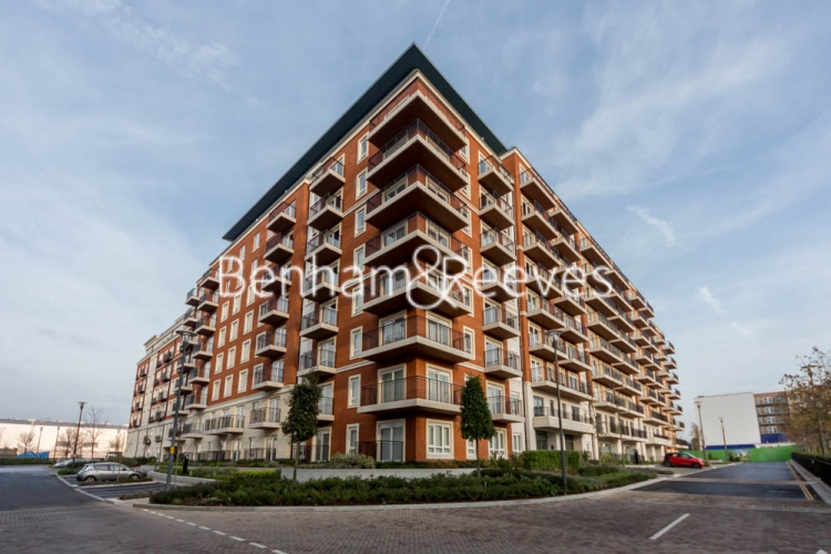 2 bedroom(s) flat to rent in Beaufort Square, Colindale, NW9-image 32