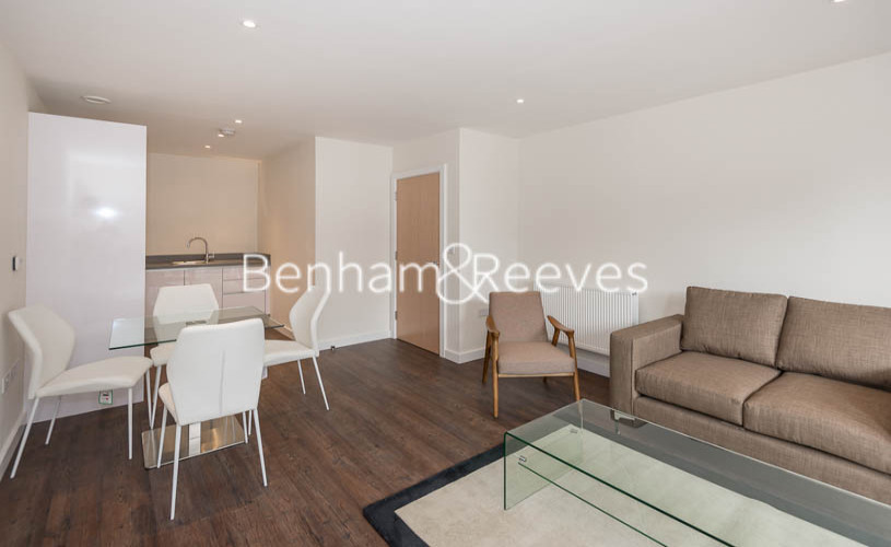 1 bedroom(s) flat to rent in Howard Road, Stanmore Place, HA7-image 1