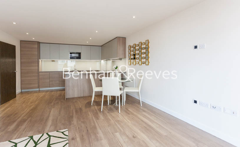 2 bedroom(s) flat to rent in Beaufort Square, Colindale, NW9-image 2