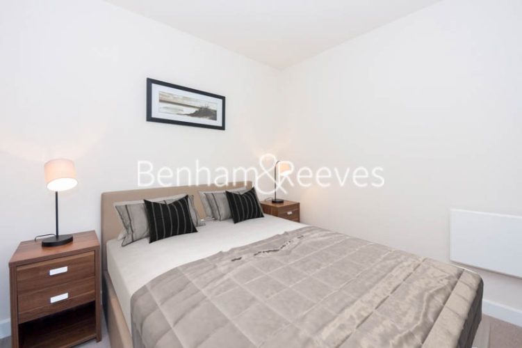 2 bedroom(s) flat to rent in Beaufort Square, Colindale, NW9-image 4