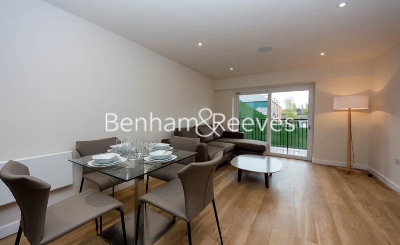 1 bedroom(s) flat to rent in Beaufort Square, Colindale, NW9-image 3