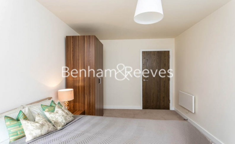 1 bedroom(s) flat to rent in Beaufort Square, Colindale, NW9-image 10