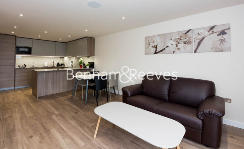 1 bedroom(s) flat to rent in Beaufort Square, Colindale, NW9-image 1