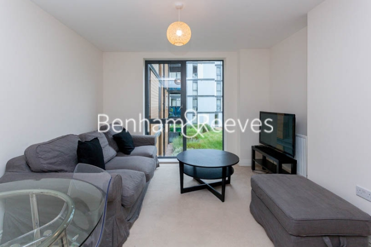 1 bedroom(s) flat to rent in Needleman Close, Colindale, NW9-image 1