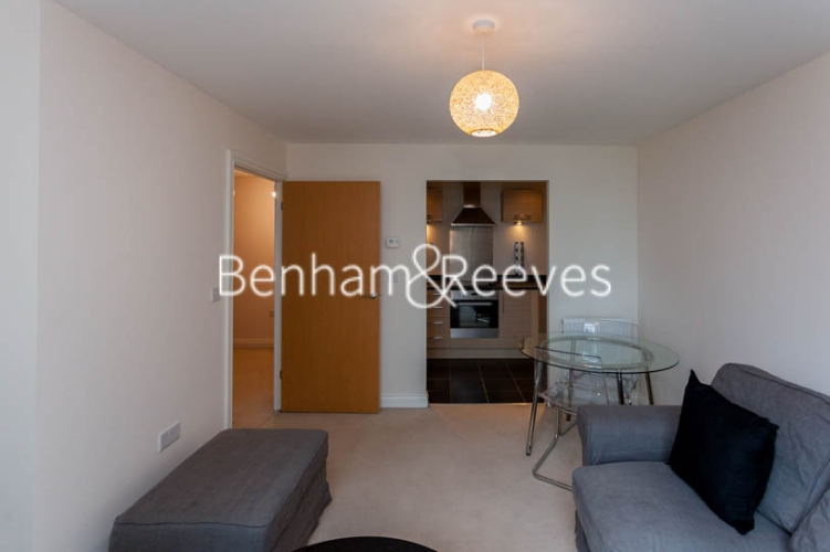 1 bedroom(s) flat to rent in Needleman Close, Colindale, NW9-image 3
