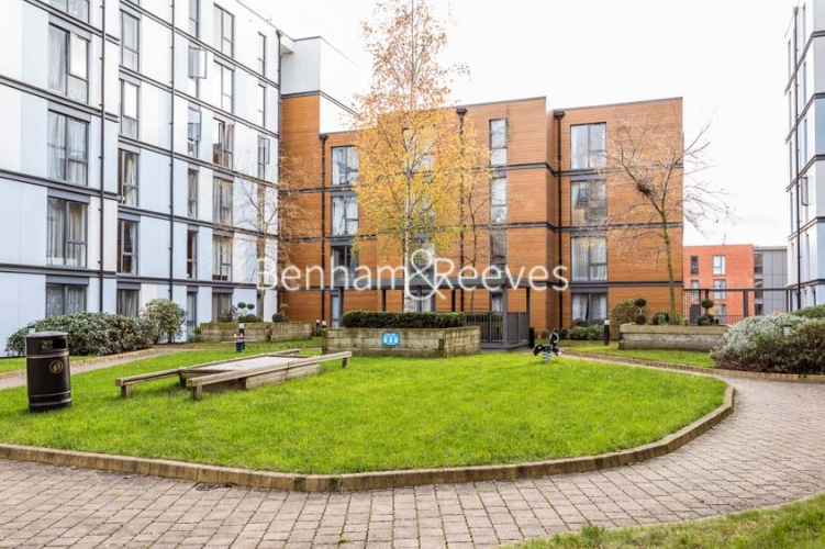 1 bedroom(s) flat to rent in Needleman Close, Colindale, NW9-image 8