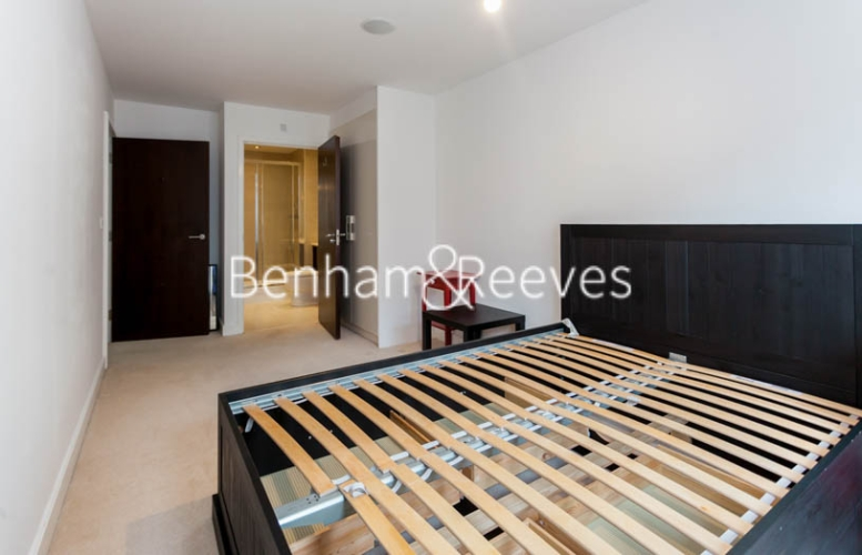 2 bedroom(s) flat to rent in Boulevard Drive, Colindale, NW9-image 11