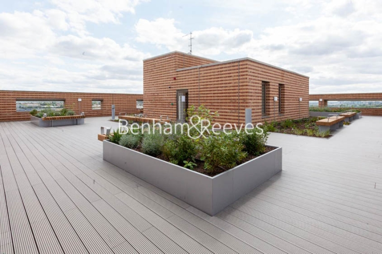 1 bedroom(s) flat to rent in Damsel Walk, West Hendon, NW9-image 1