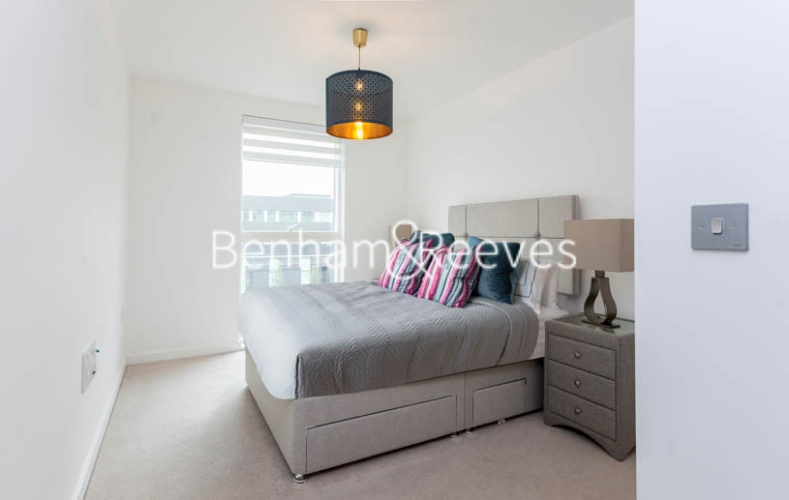 2 bedroom(s) flat to rent in Lismore Boulevard, Colindale, NW9-image 7
