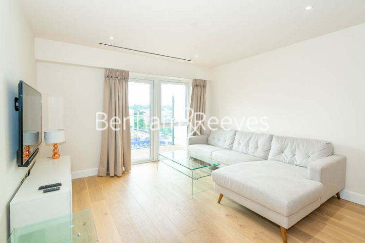3 bedroom(s) flat to rent in Beaufort Square, Colindale, NW9-image 1
