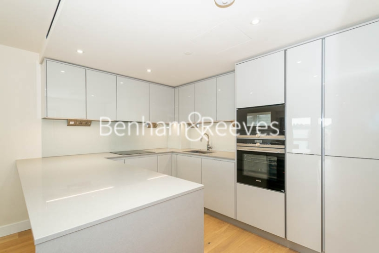3 bedroom(s) flat to rent in Beaufort Square, Colindale, NW9-image 2