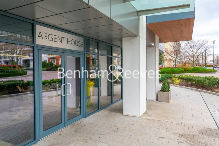 3 bedroom(s) flat to rent in Beaufort Square, Colindale, NW9-image 12